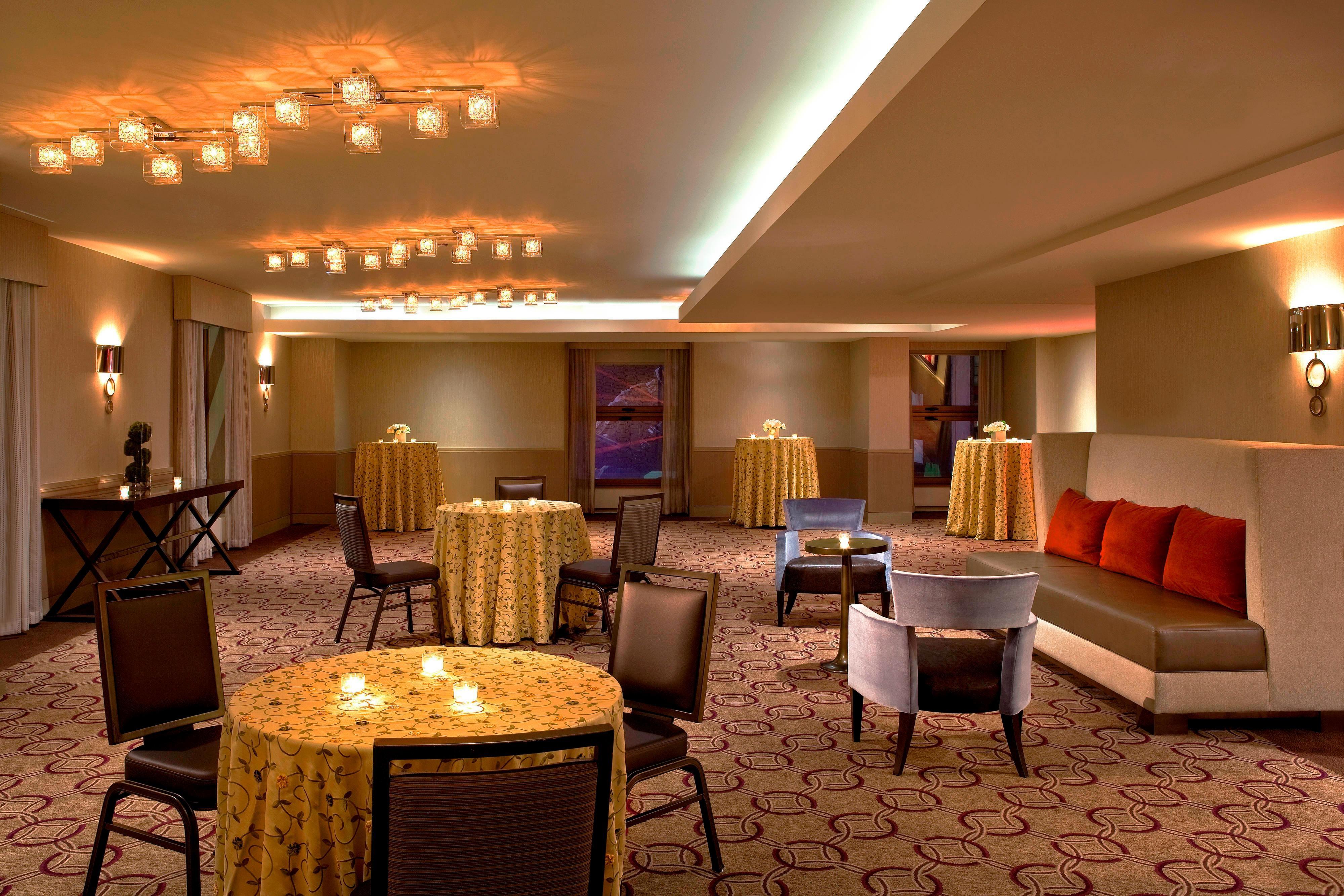 Pearl Meeting Room