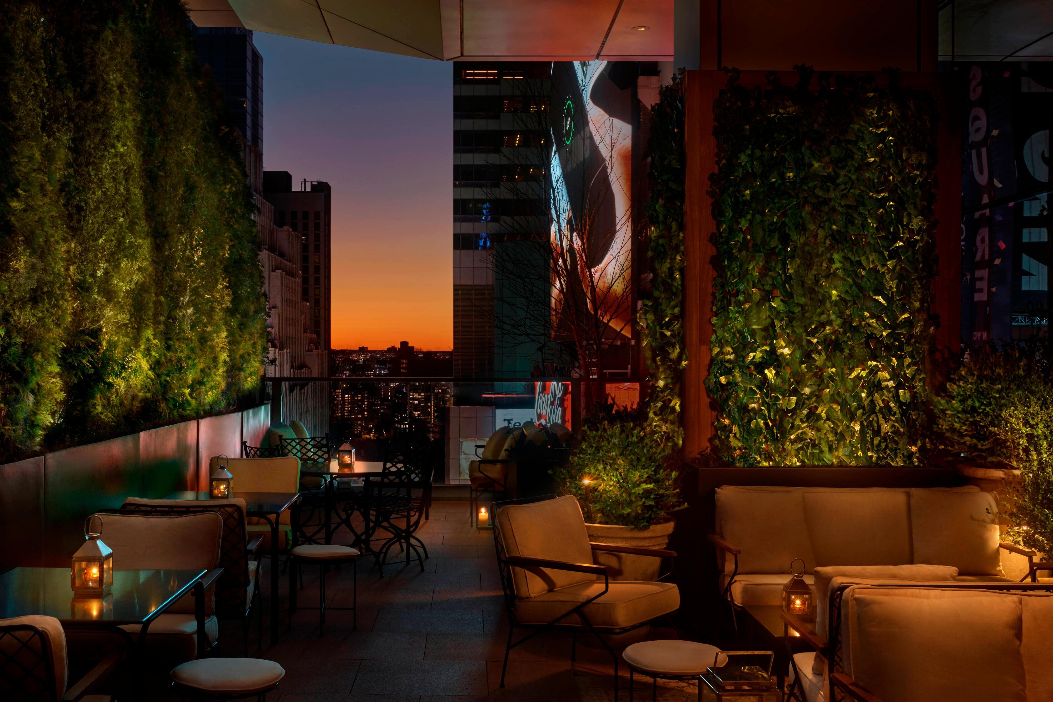 Lobby Bar - Terrace