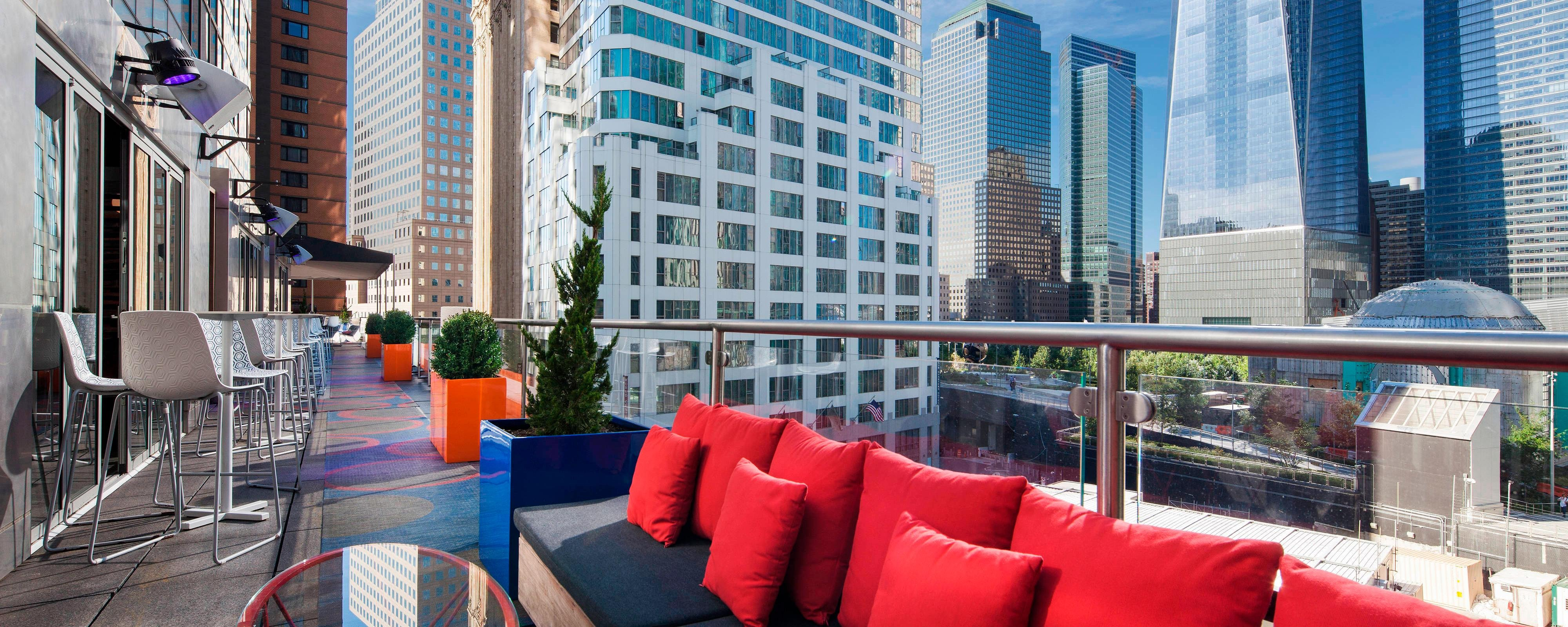 Terrace OverlooKing ManhattanSkyline View