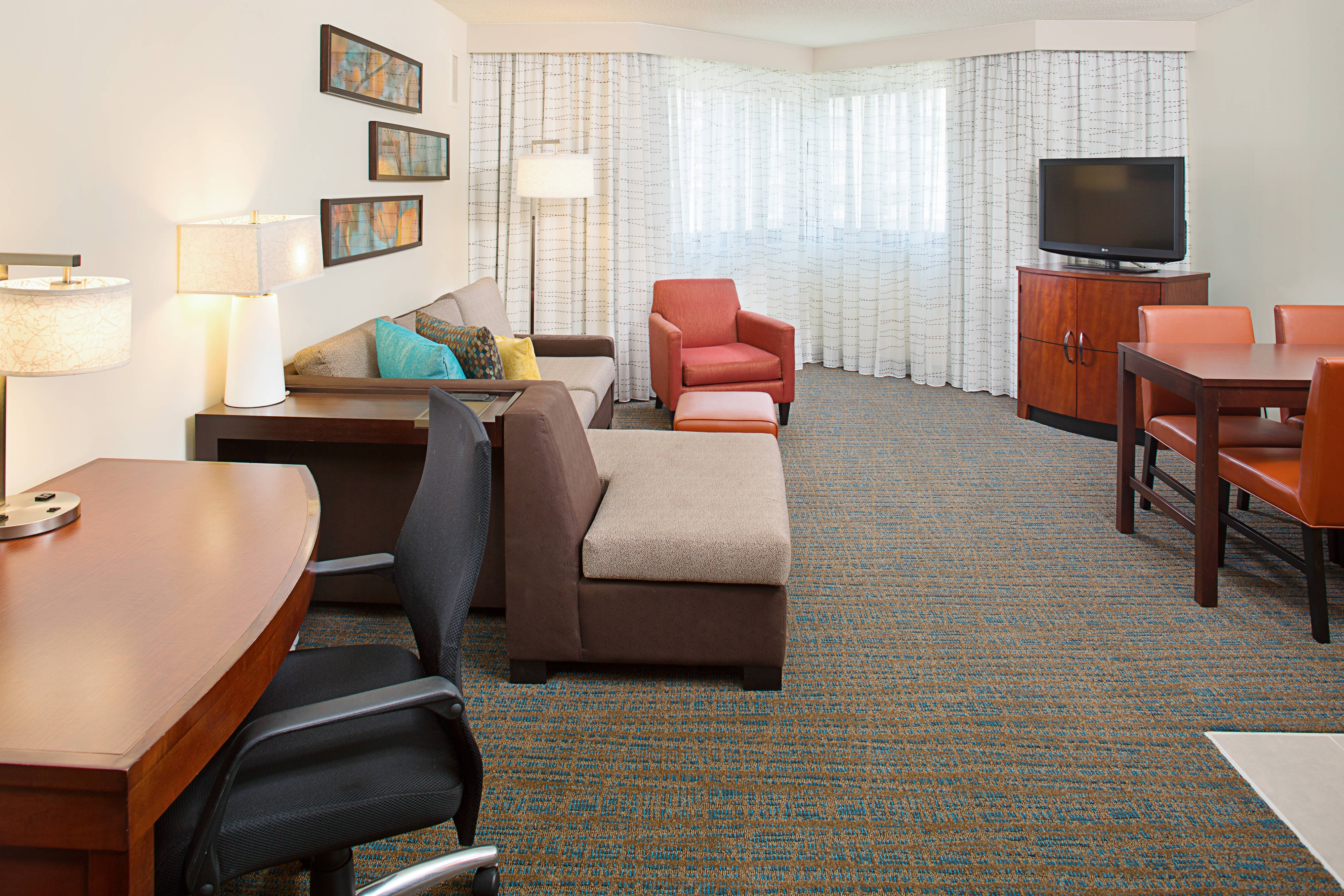 Marriott White Plains One Bedroom Suite Living Area