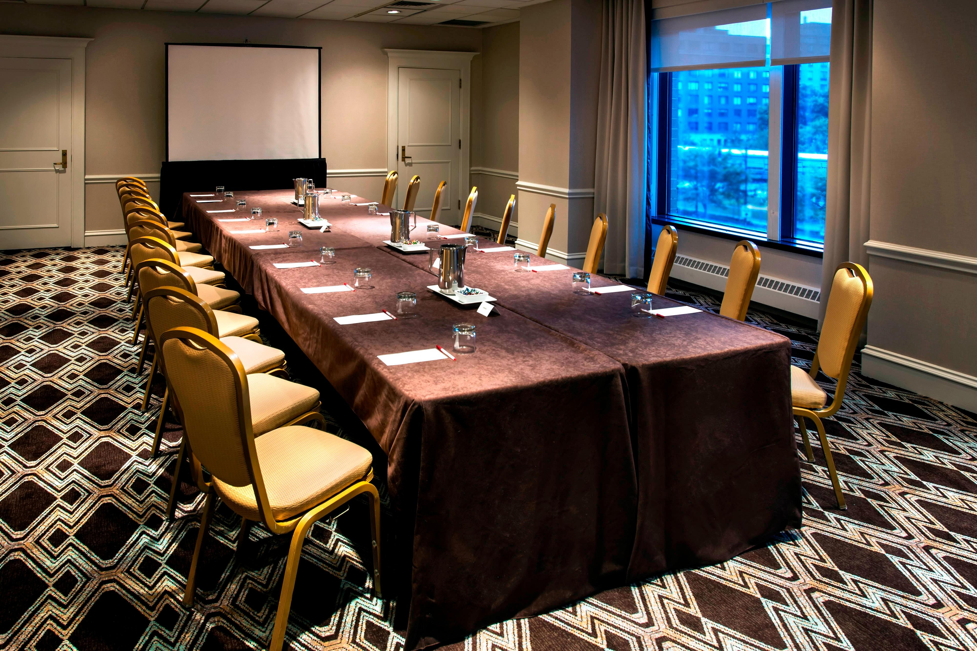 Seaport Room – Conference Setup