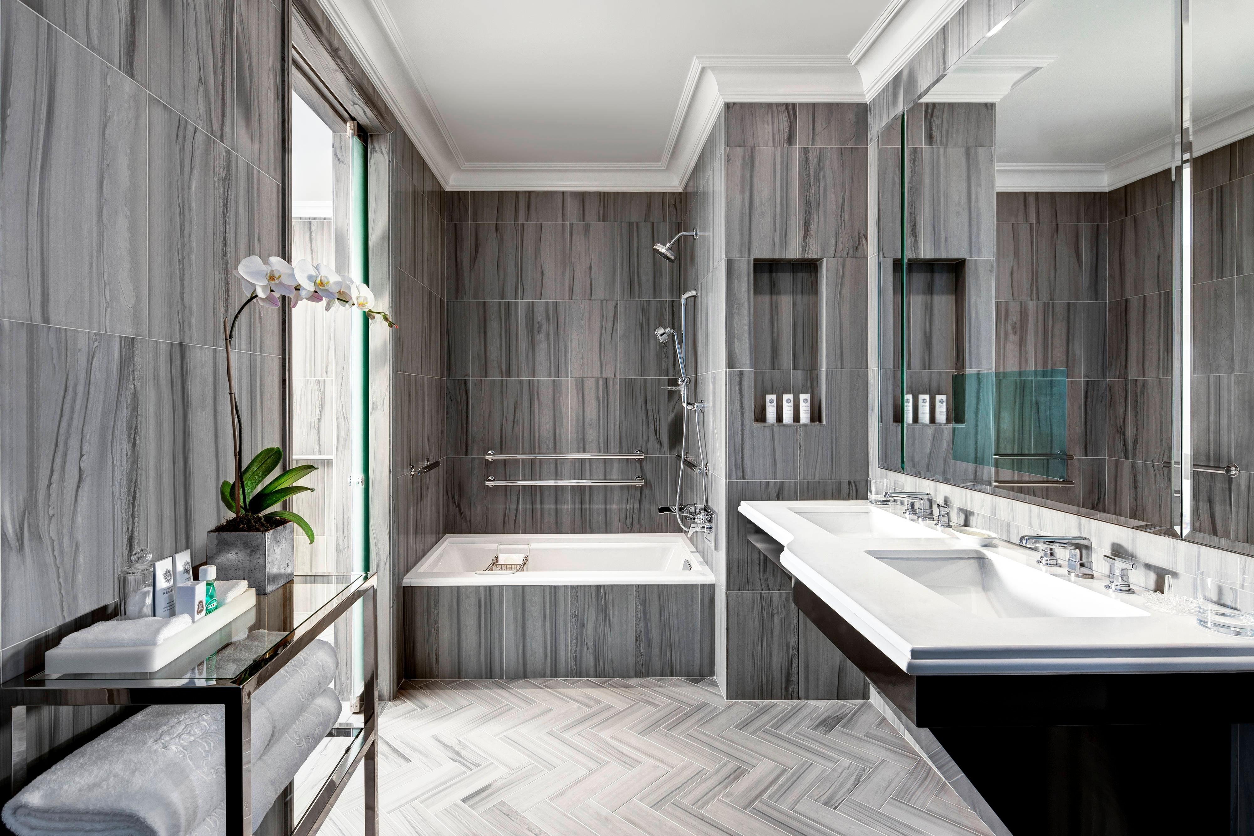 Bentley Suite - Bathroom