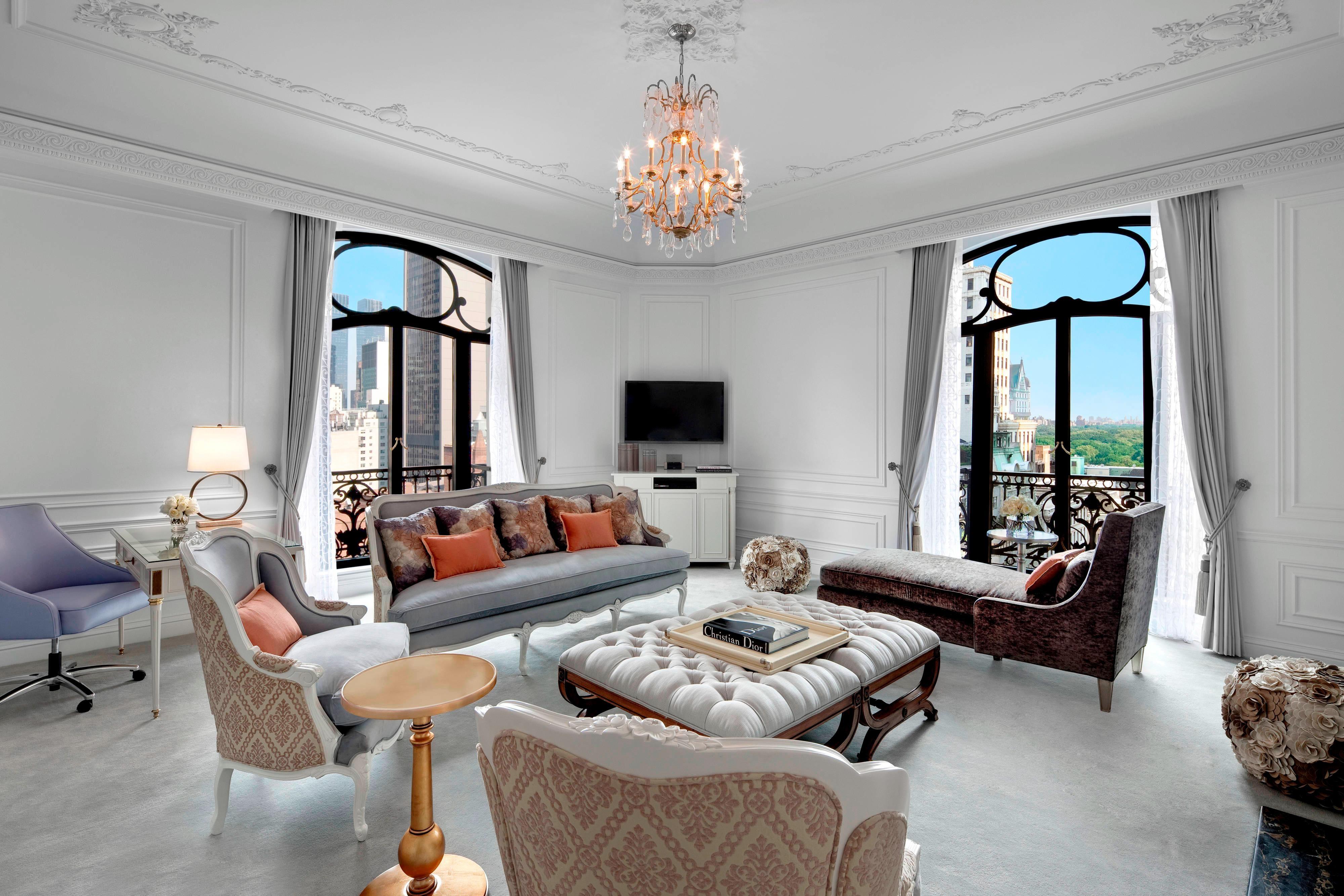 Dior Suite - Living Room
