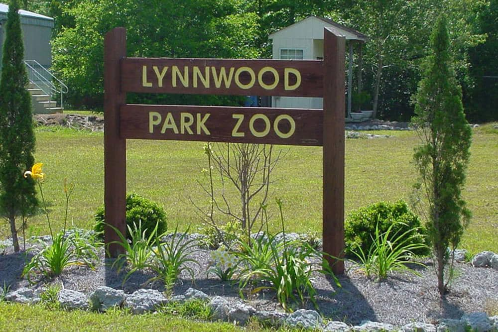 Lynnwood Park Zoo – TownePlace Suites Jacksonville