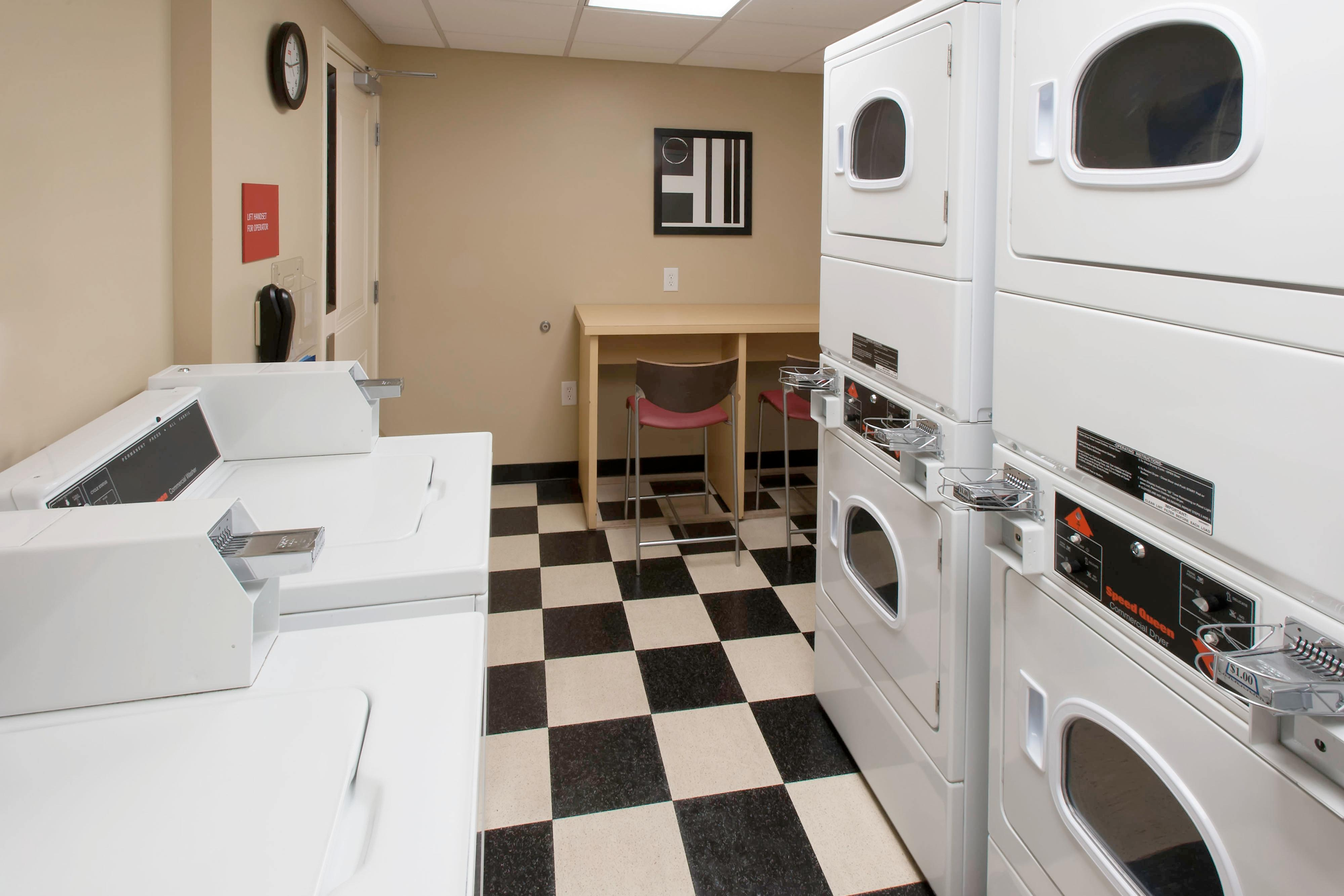 Laundry Room - Jacksonville NC hotels