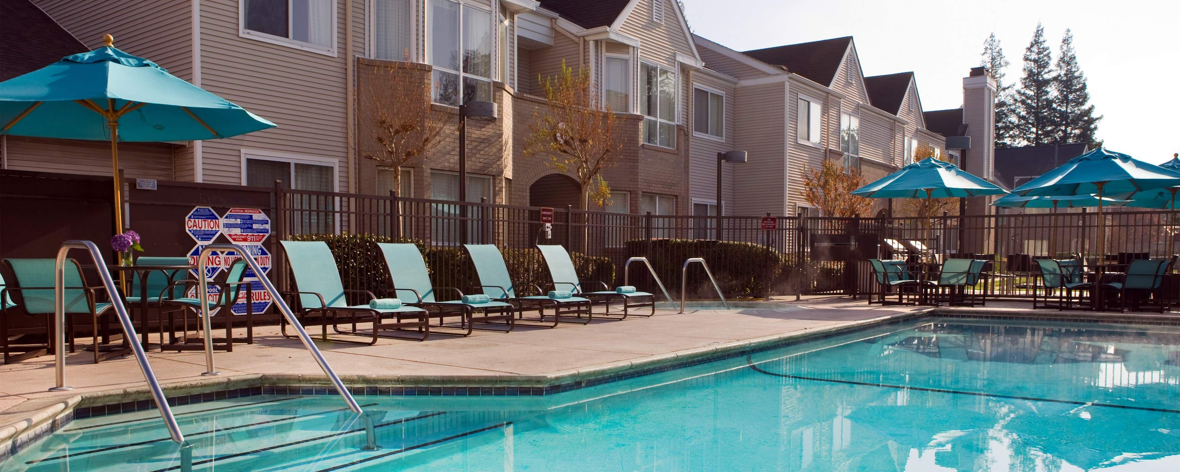 Hotelpool in Concord, CA