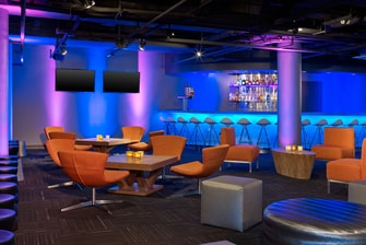 Lounge/Bar Level 2