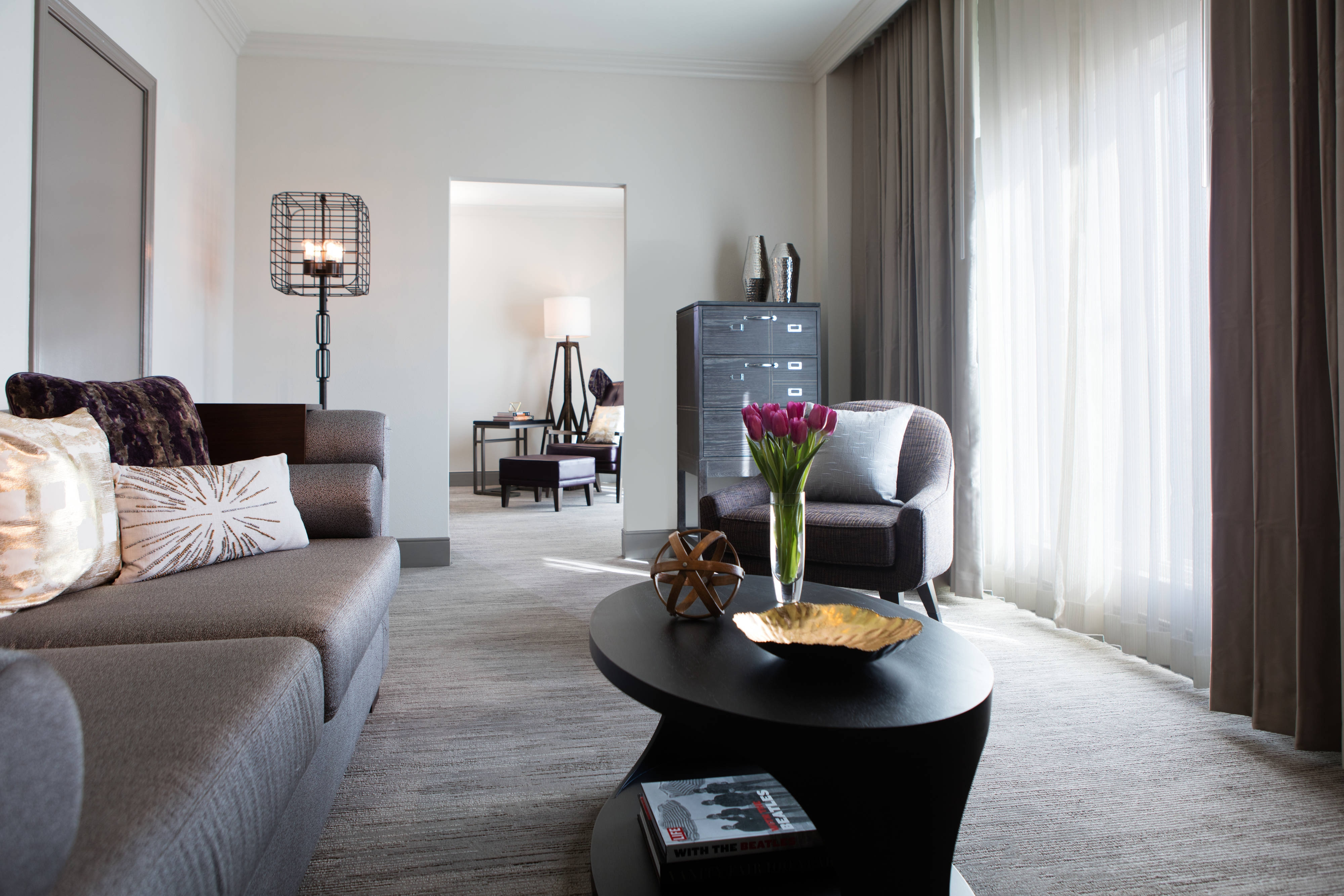 Luxury Hotel Rooms in Oklahoma City | Renaissance Waterford ...
