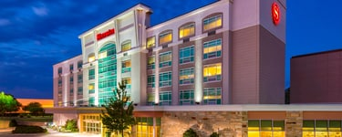 Sheraton Midwest City Hotel en el Reed Conference Center (Centro de Conferencias de Reed)