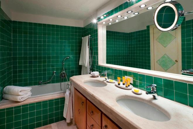 Superior Double - Bathroom