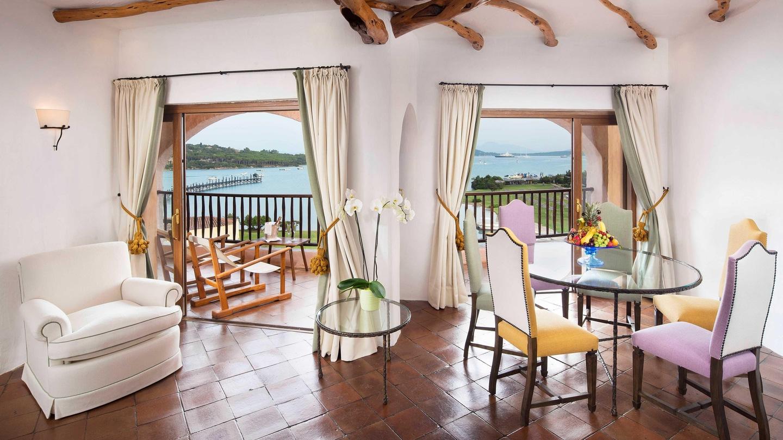 Penthouse Suite - Living Room & Terrace View