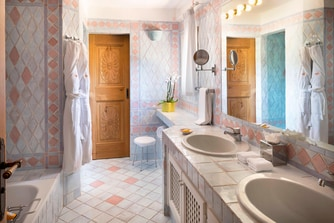 Premium Double Room - Bathroom