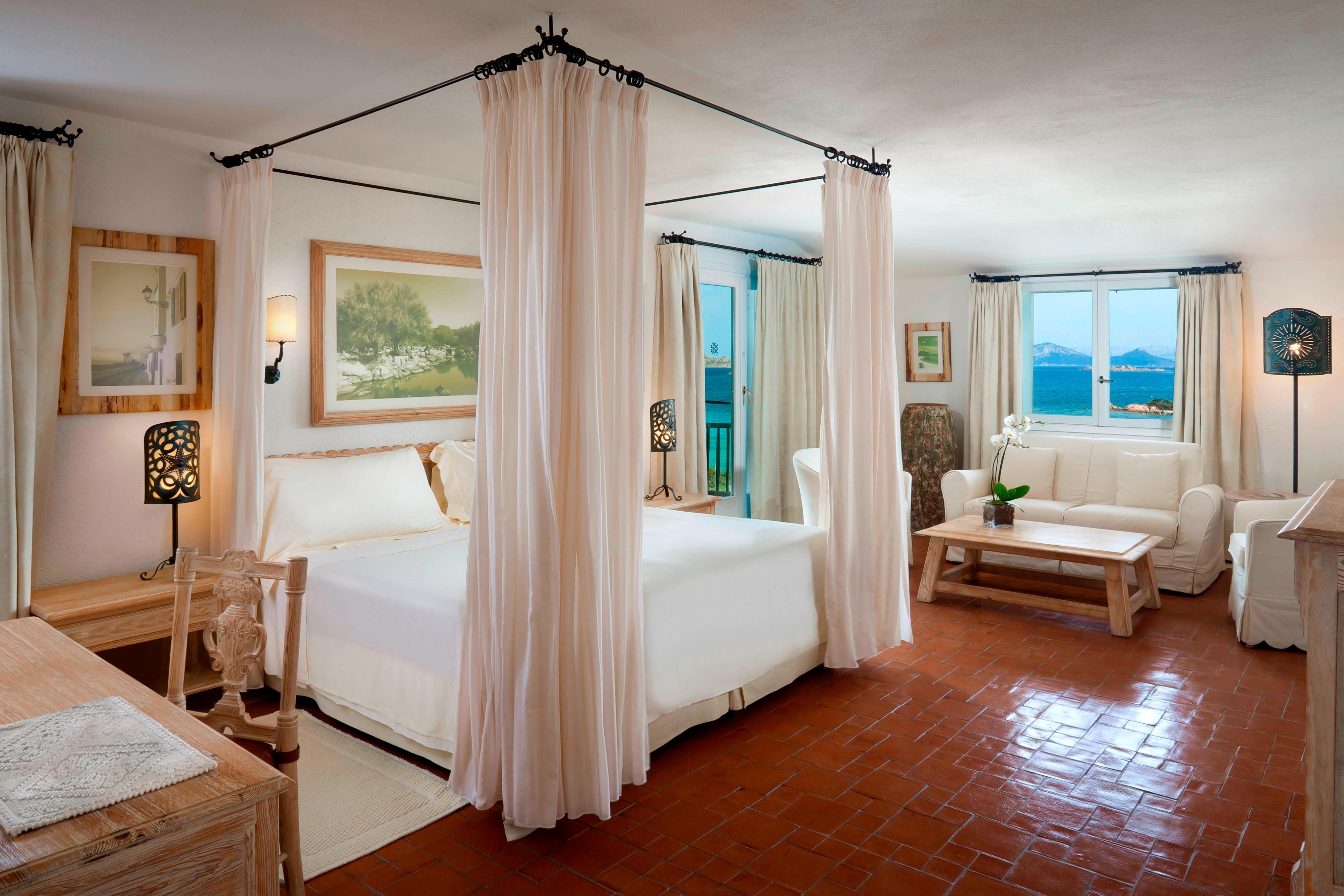 Unique Junior Suite - Bedroom Sea View