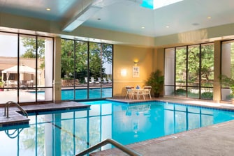 Omaha Hotels with Pool