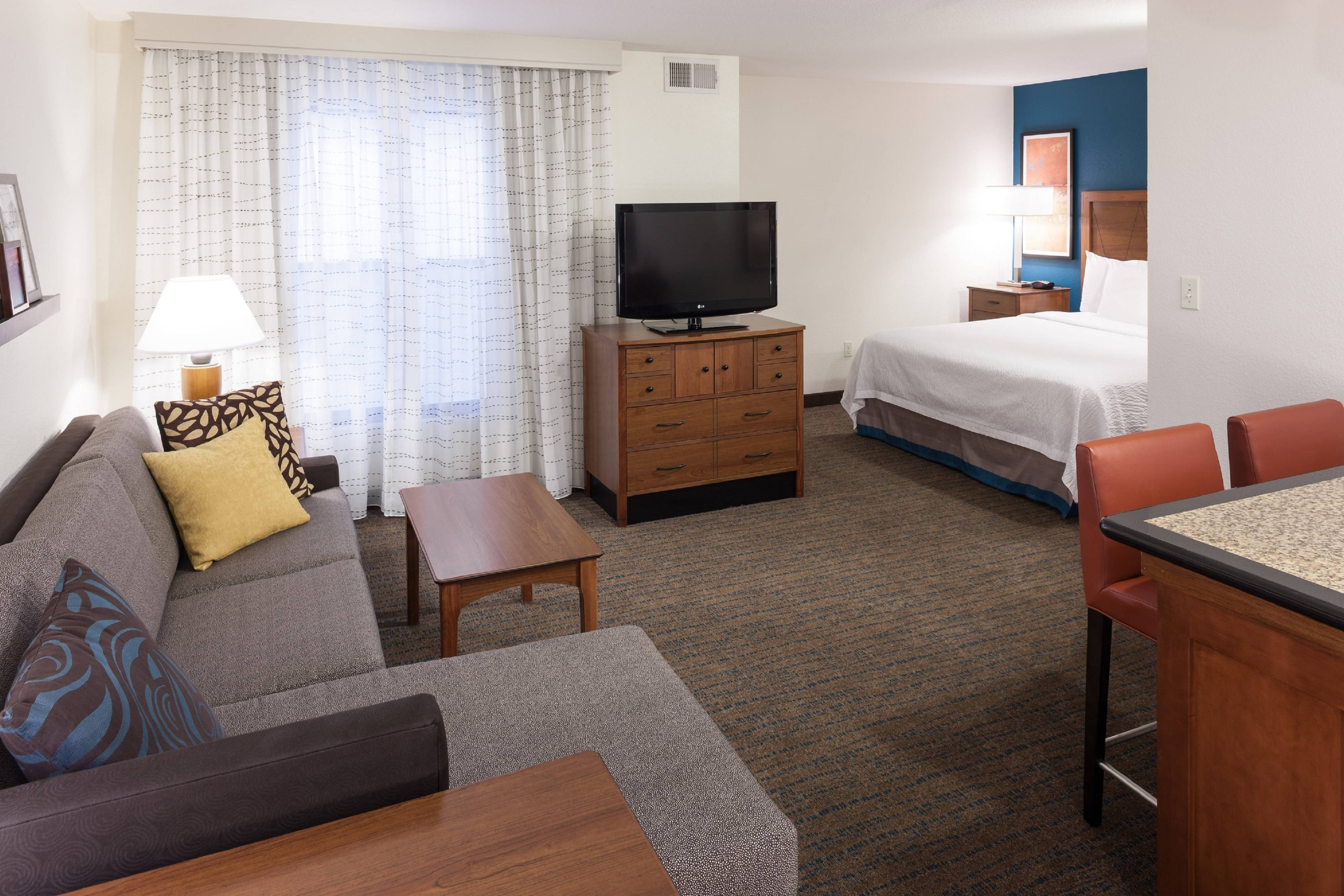 Make Yourself At Home In Our Hotel Near Redlands Ca