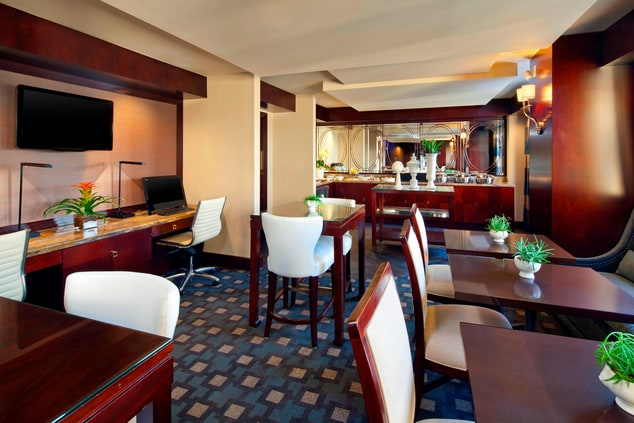 Club Lounge Office & Dining