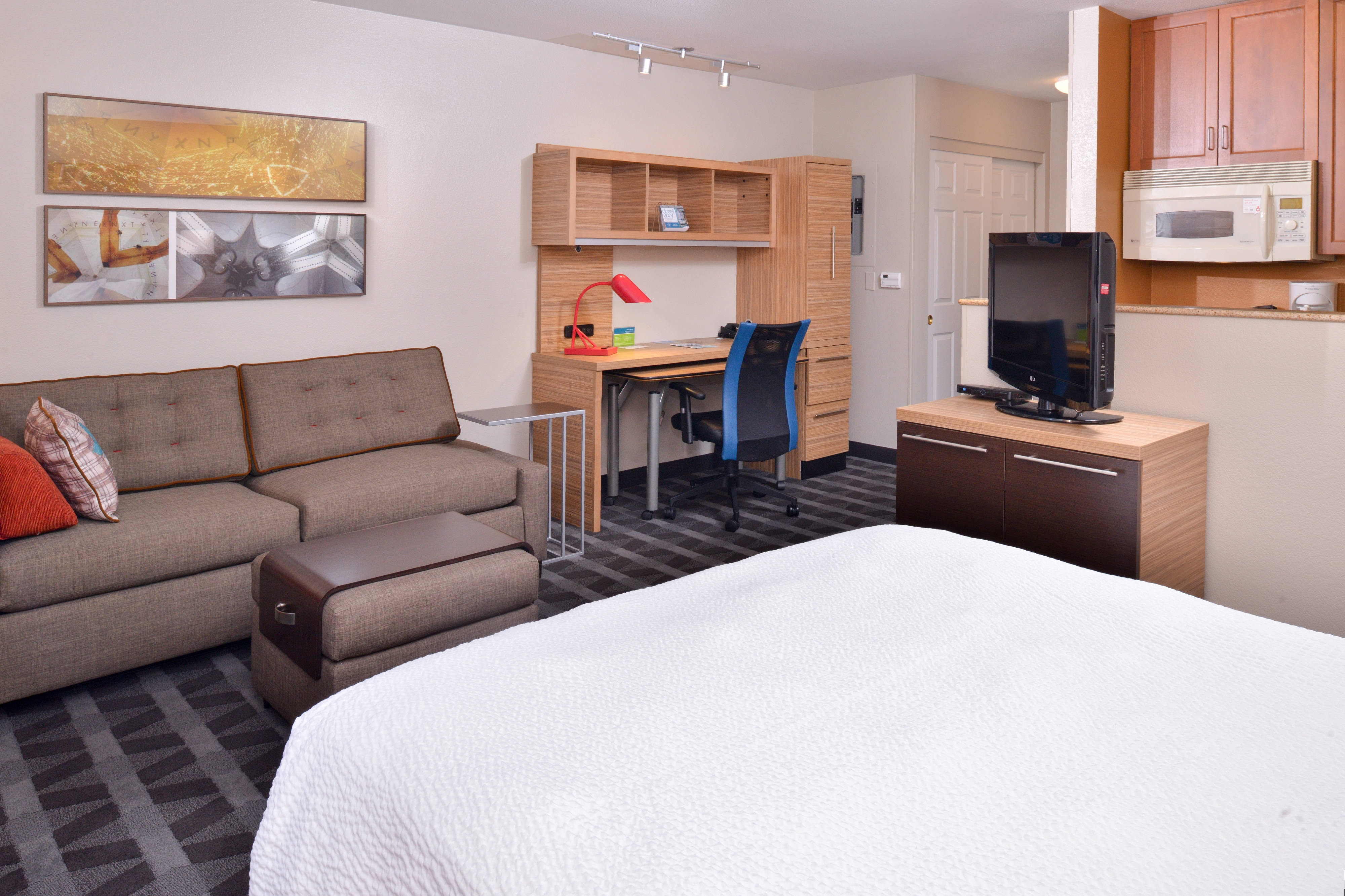 Settle In And Make Yourself At Home In Rancho Cucamonga. Studio Suite   Living  Space