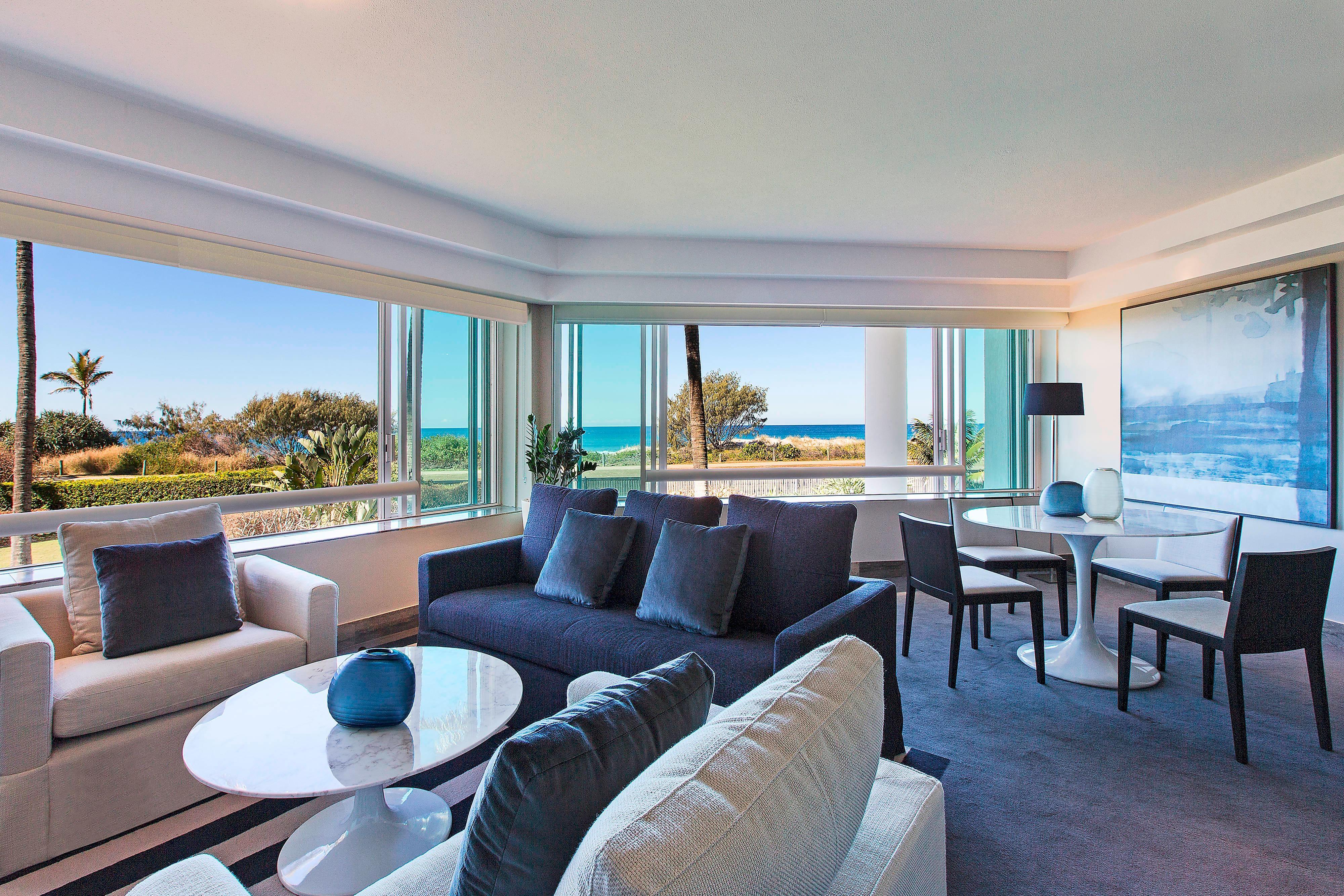 Deluxe Ocean Suite - Lounge