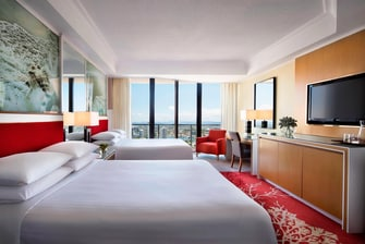 Luxury Surfers Paradise hotel room