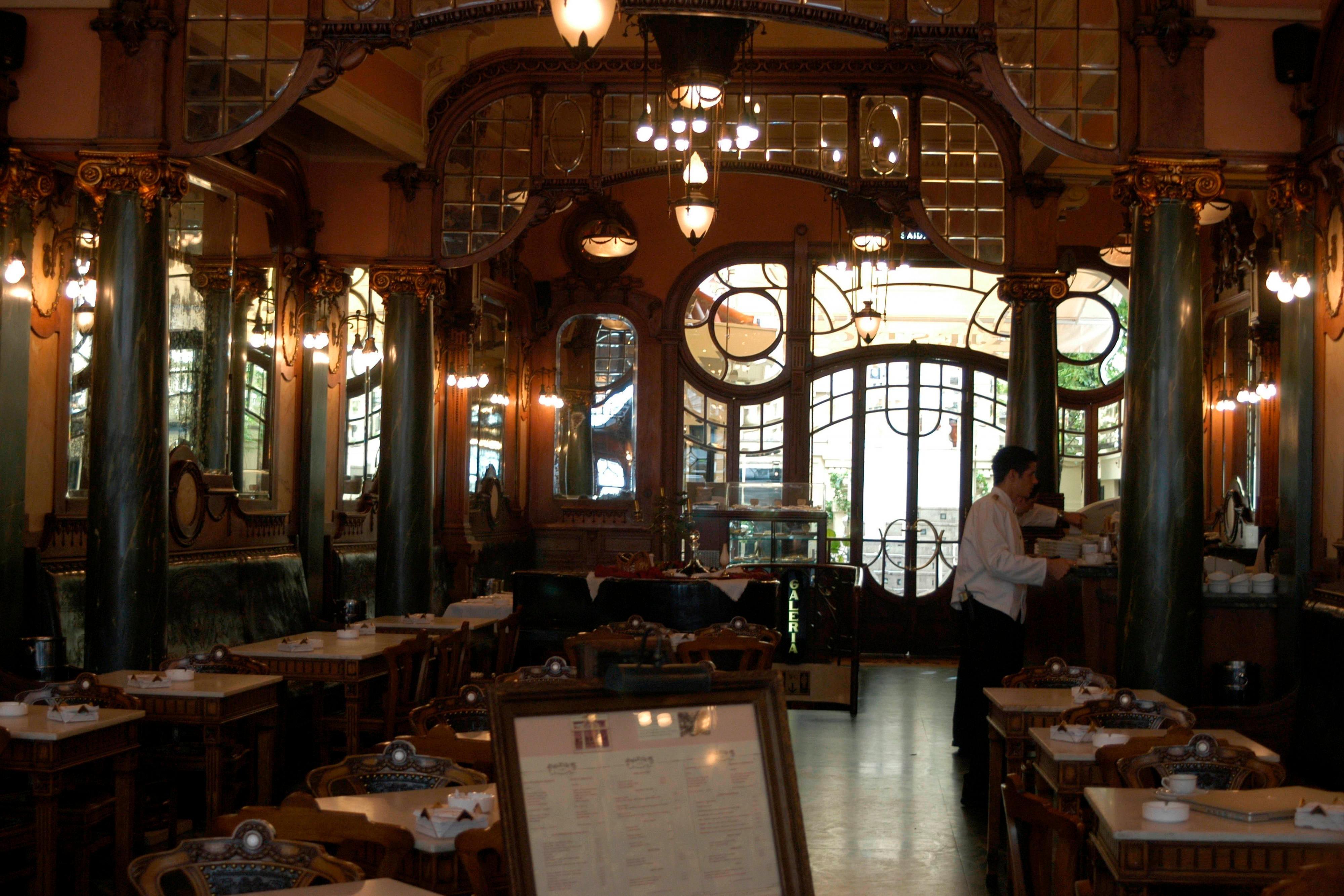 Porto Bars and restaurants