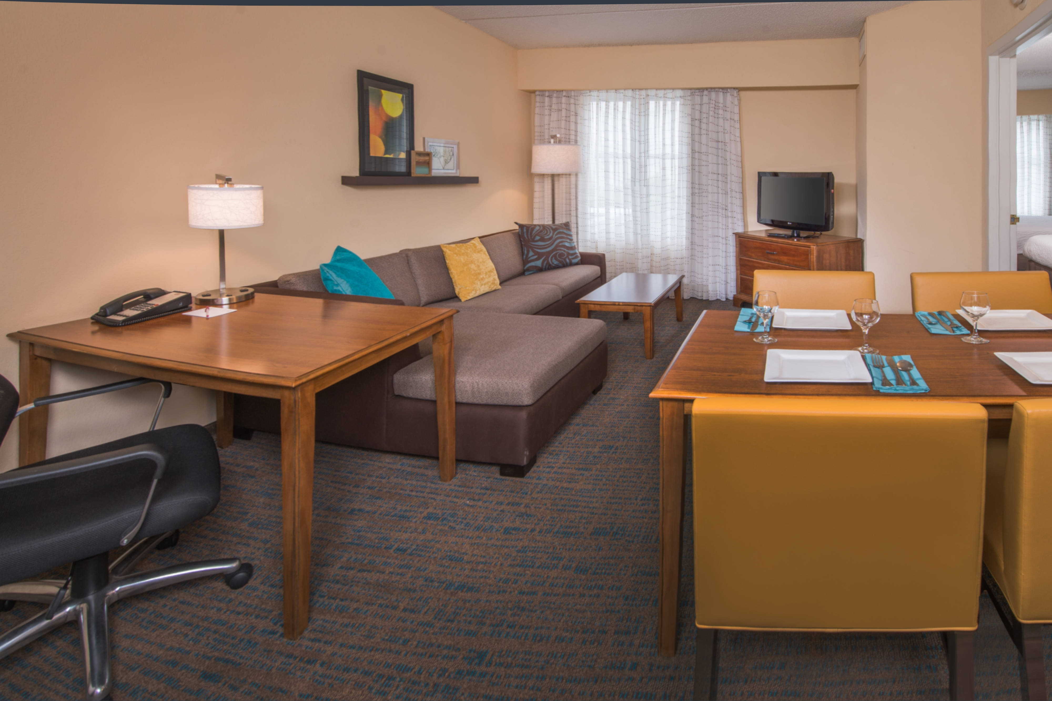 Newly Renovated Suites in Chesapeake - Chesapeake Hotel Suites