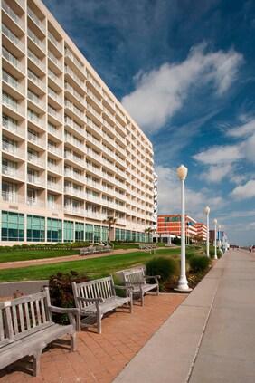 Direct Oceanfront & Boardwalk Access