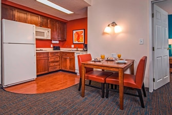 One-Bedroom Suite – Kitchen & Dining Area