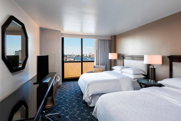 Queen/Queen Deluxe Room with Balcony and Harbor View