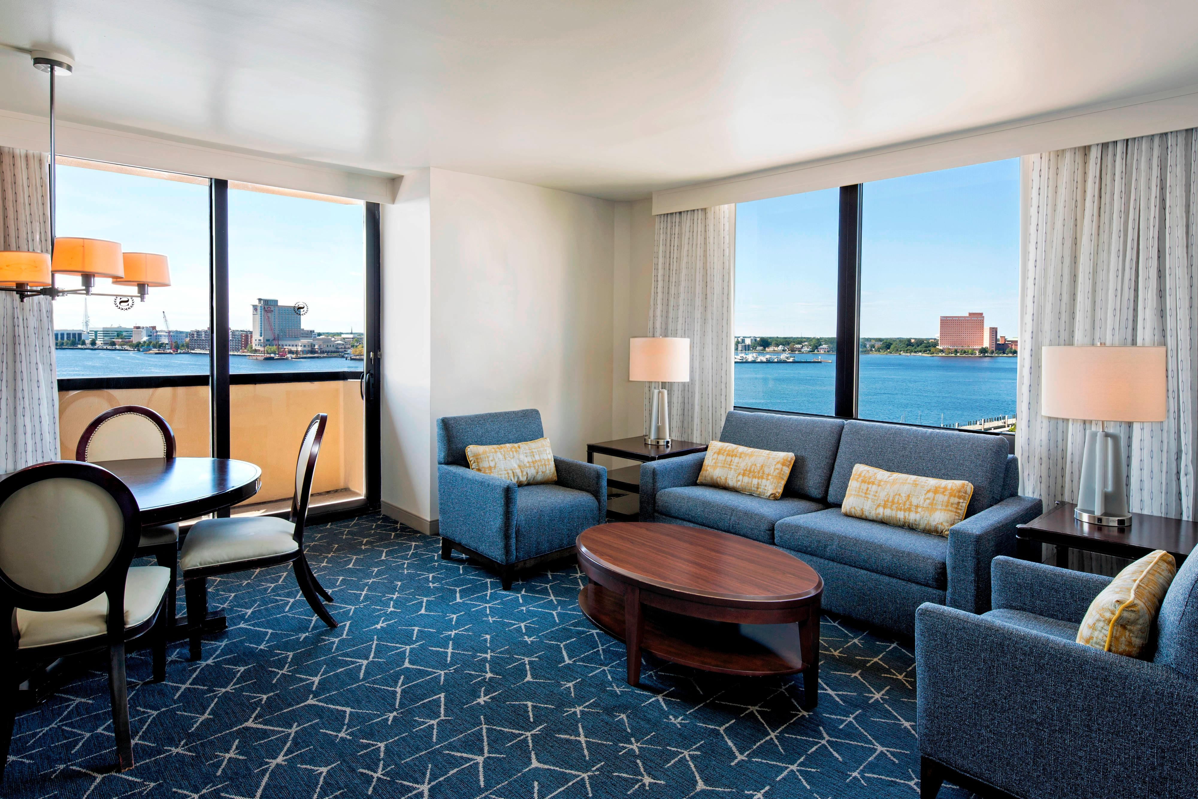 Harbor View Suite - Living Room