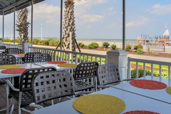 SpringHill Suites Virginia Beach Oceanfront Bar & Grill