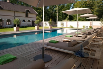 Outdoor Pool - Sun Loungers