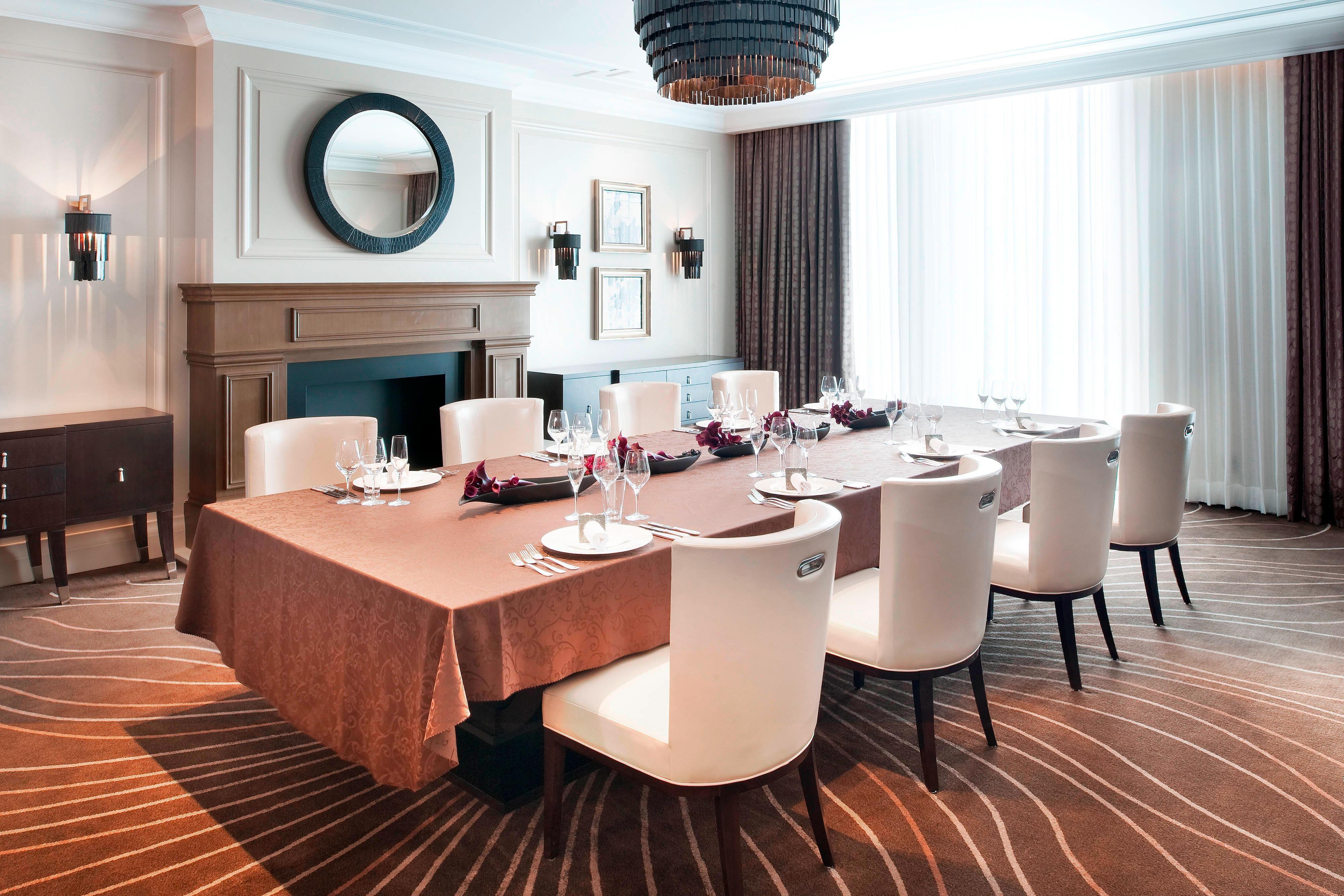 Vicount Suite Room