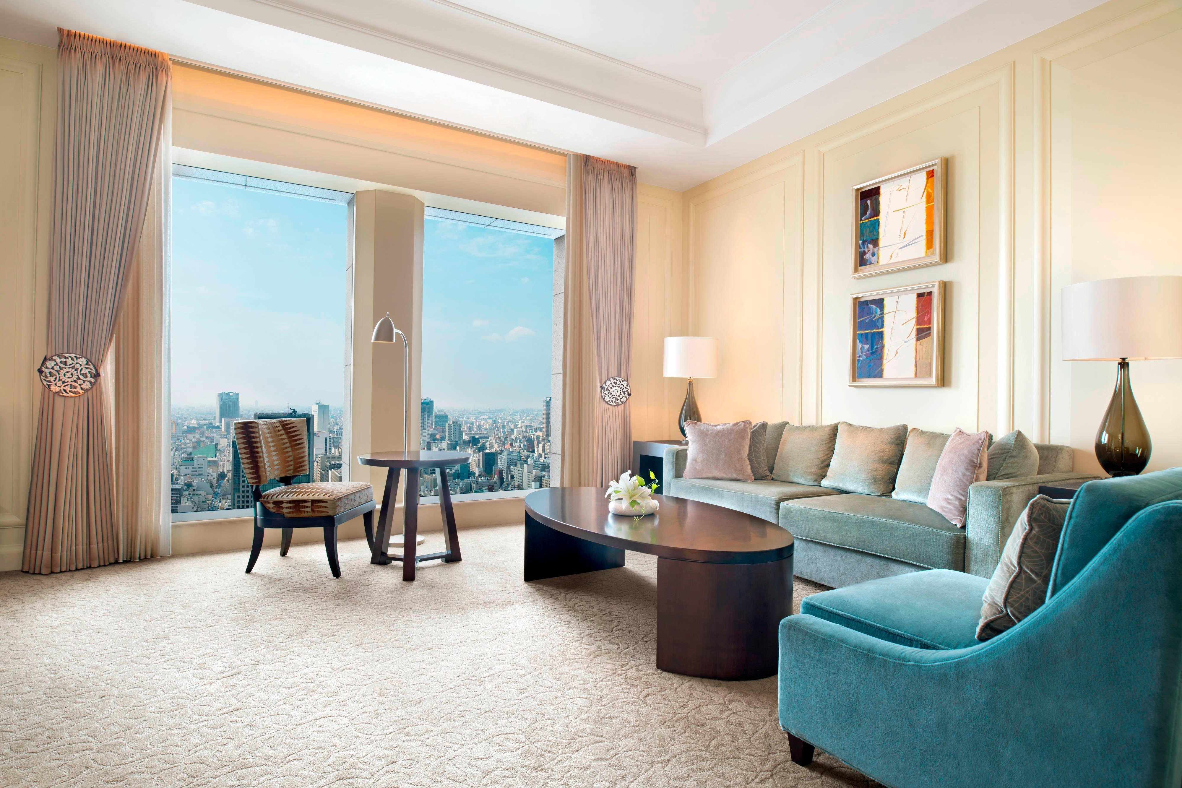 Yuri Suite - Living Room