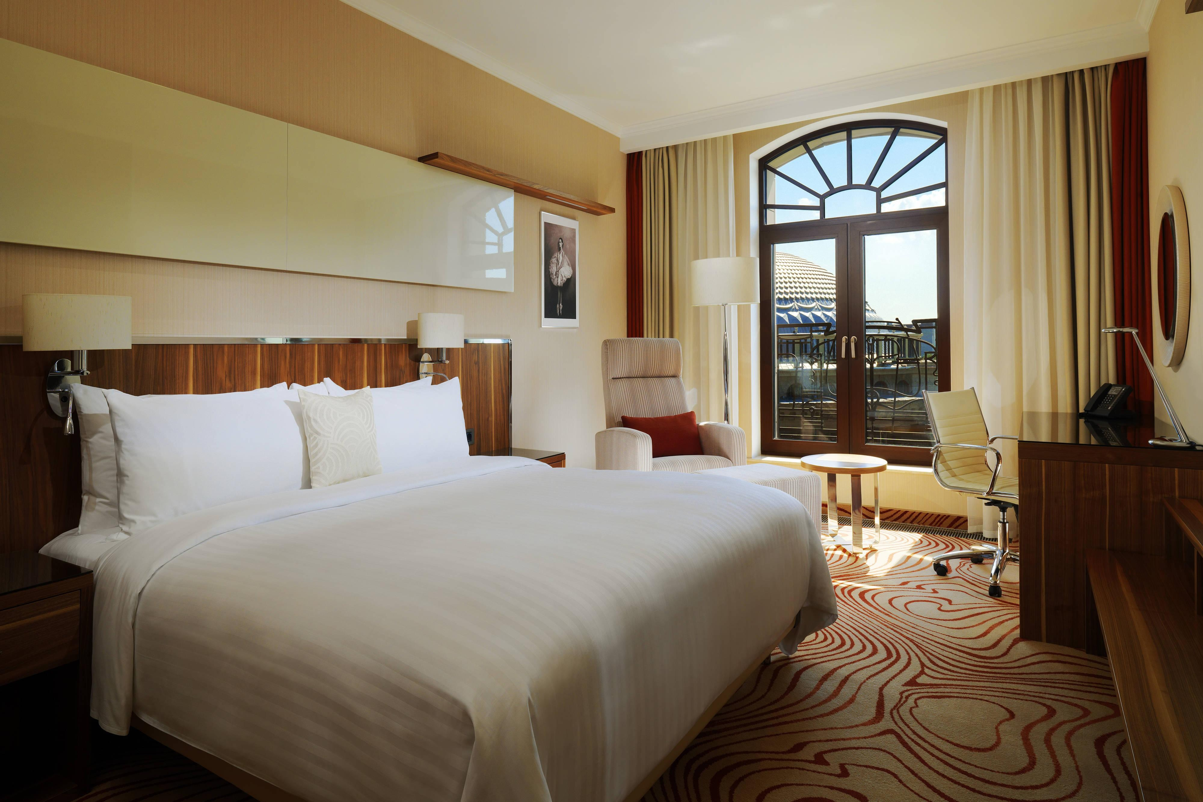 King Opera View Guest Room