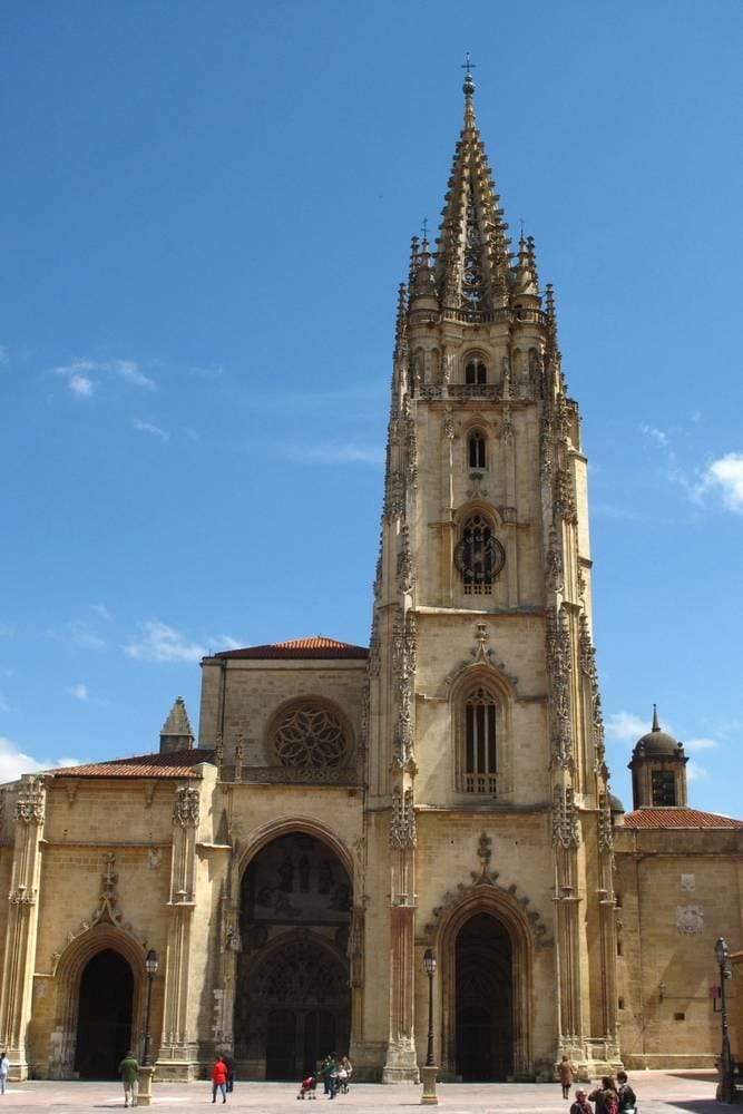 Catedral in Oviedo near AC