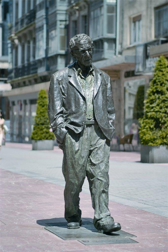 Estatua Woody Allen in Oviedo