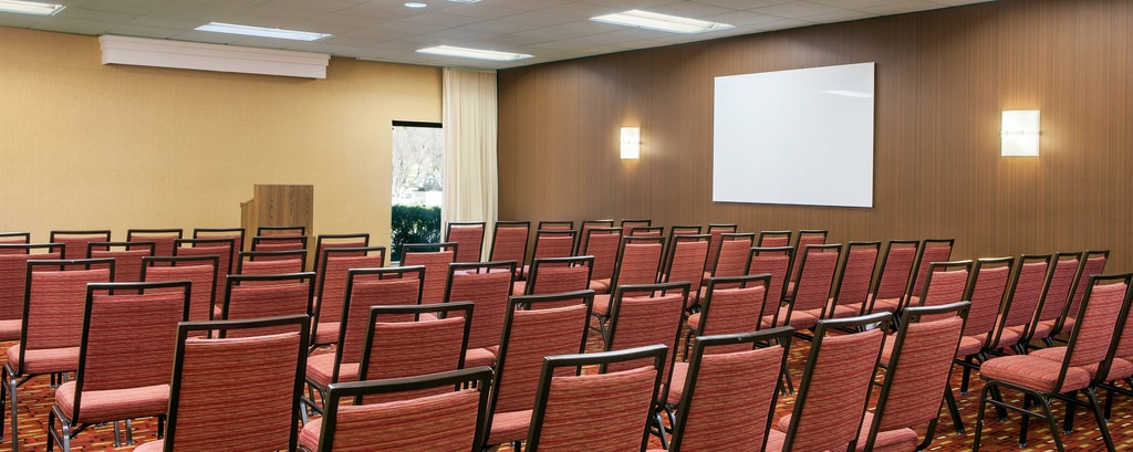 Camarillo CA Business Meeting Rooms