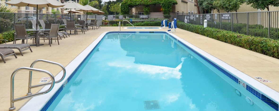 extended stay Marriott Palo Alto hotel with outdoor pool