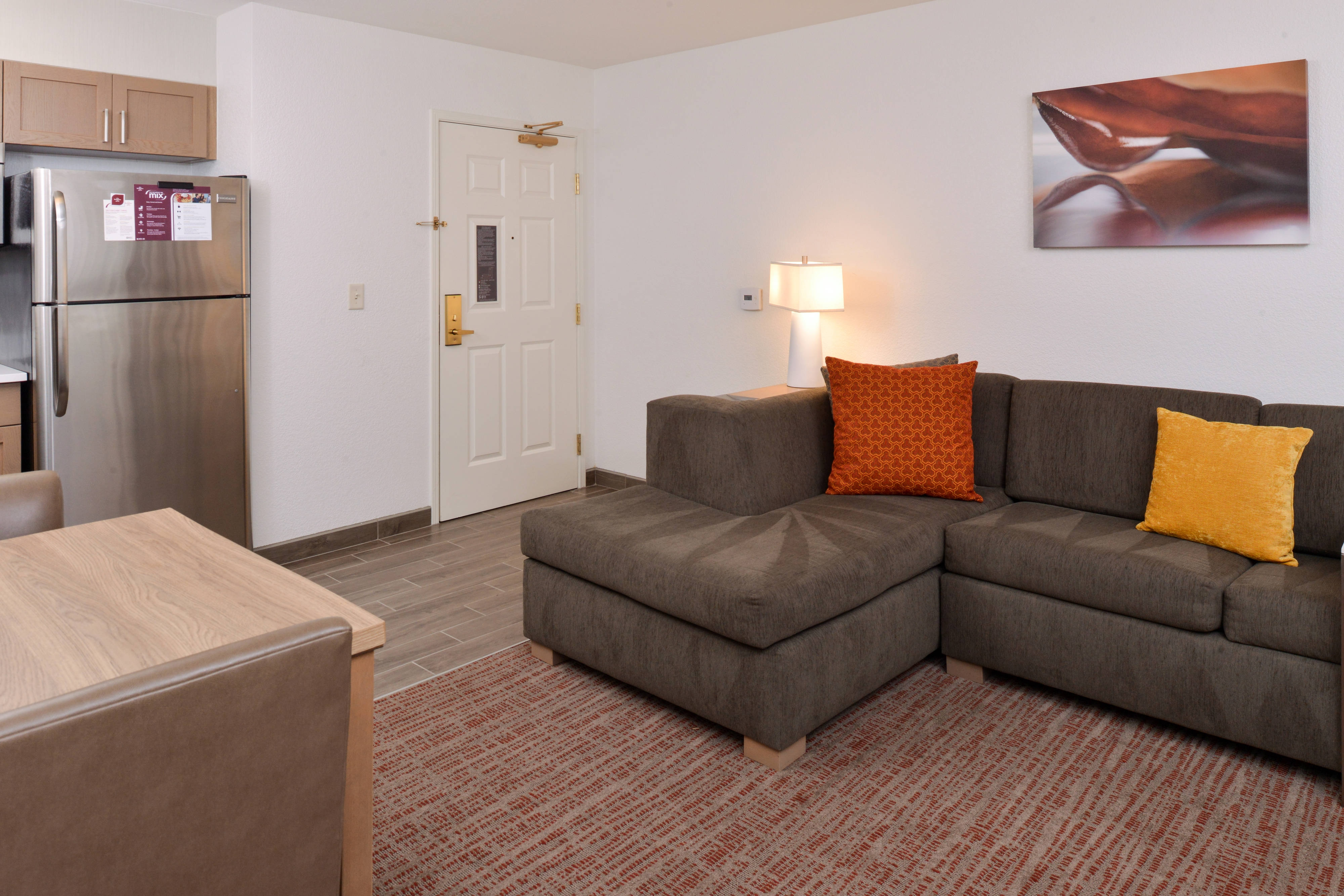 extended stay suites with living areas in Palo Alto CA