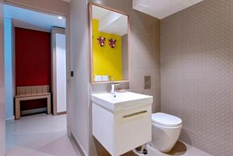 Port au Prince Suites Bathroom