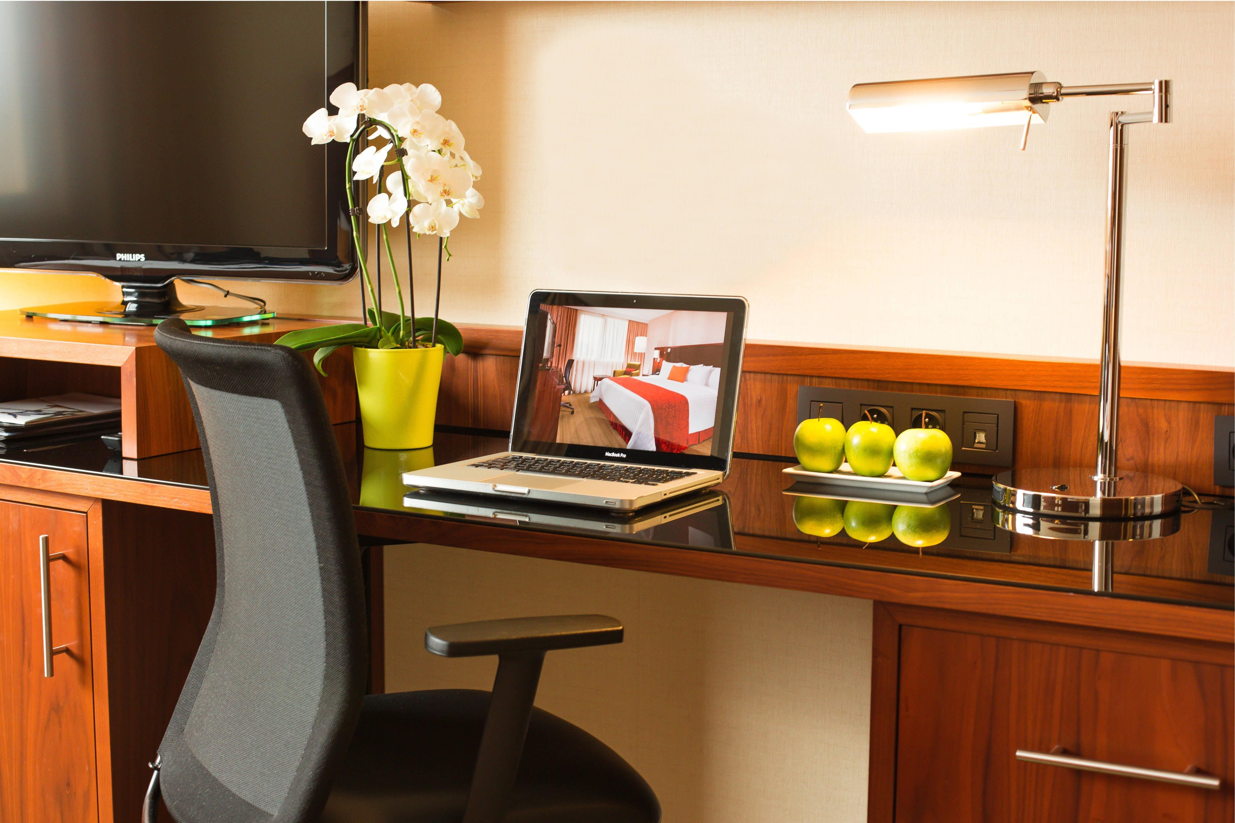 Superior Room - Working Desk