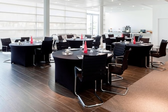 AC Hotel Bourget Meeting Room
