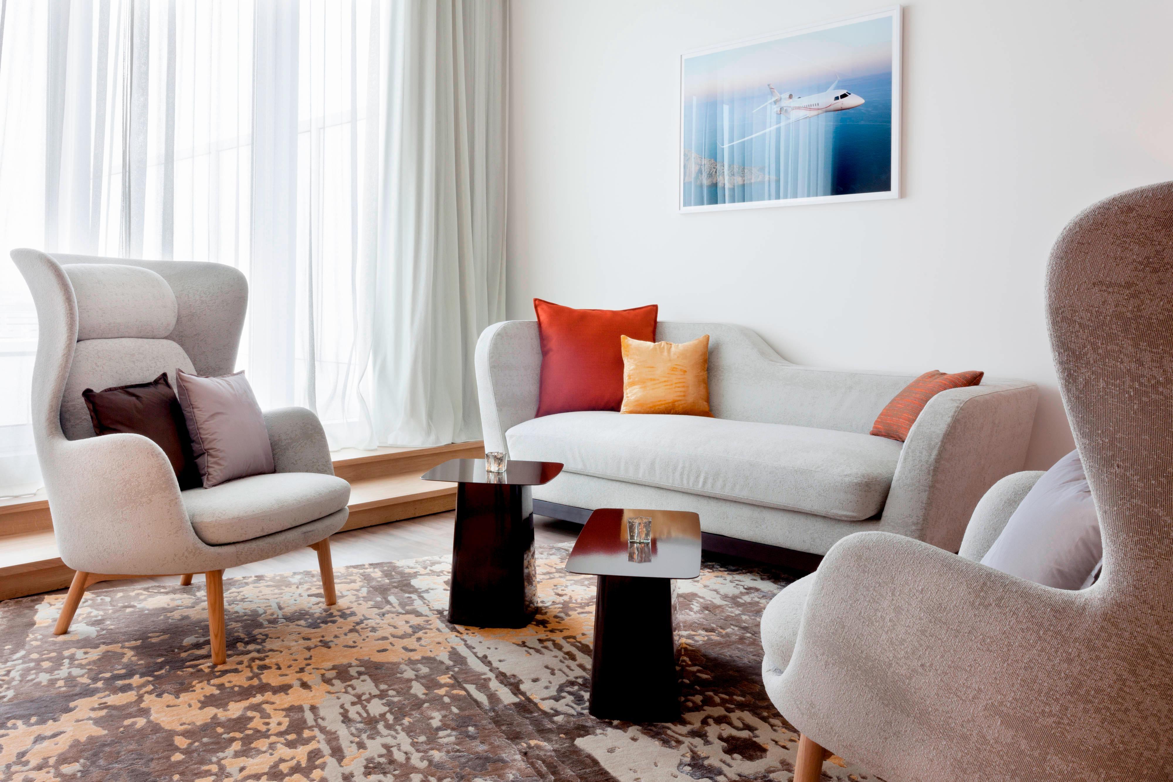 Suites in Le Bourget Junior Suite