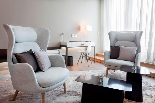 Suites in Le Bourget Junior Suite