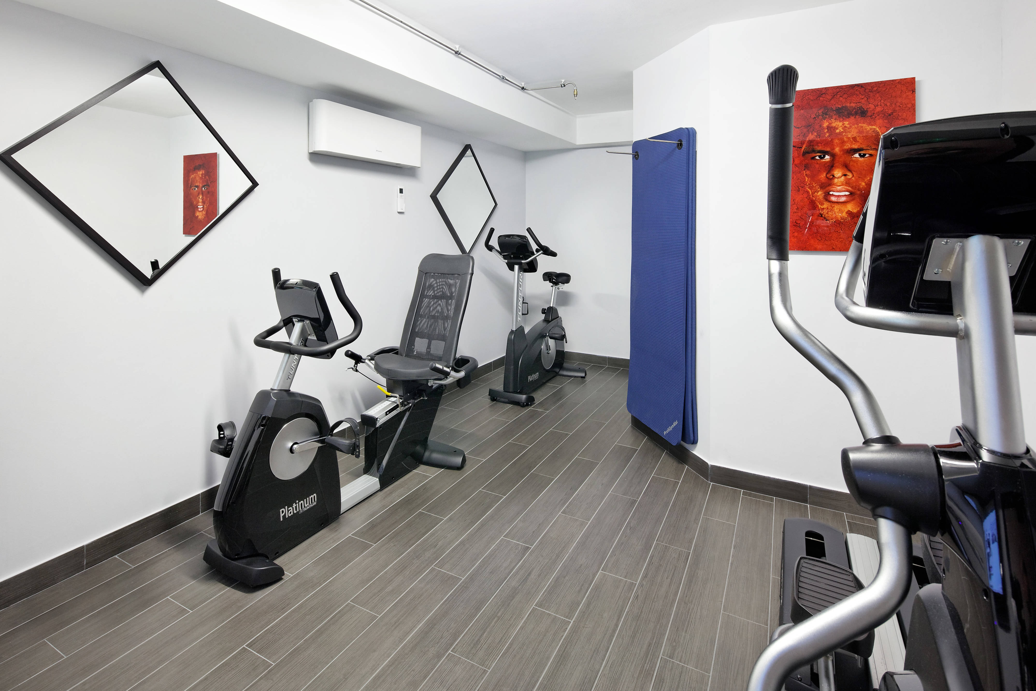 Hotel in Boulogne mit Fitnessstudio