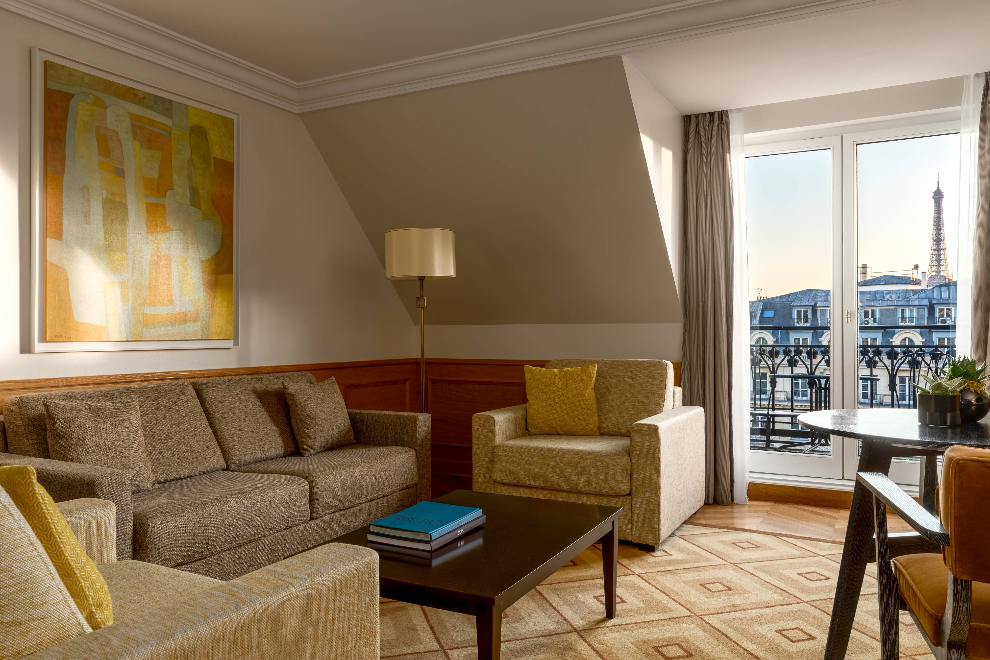 Vice Presidential Suite - Eiffel Tower View