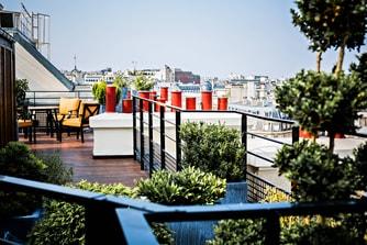 شقة باريسية (Parisien)، فناء على السطح