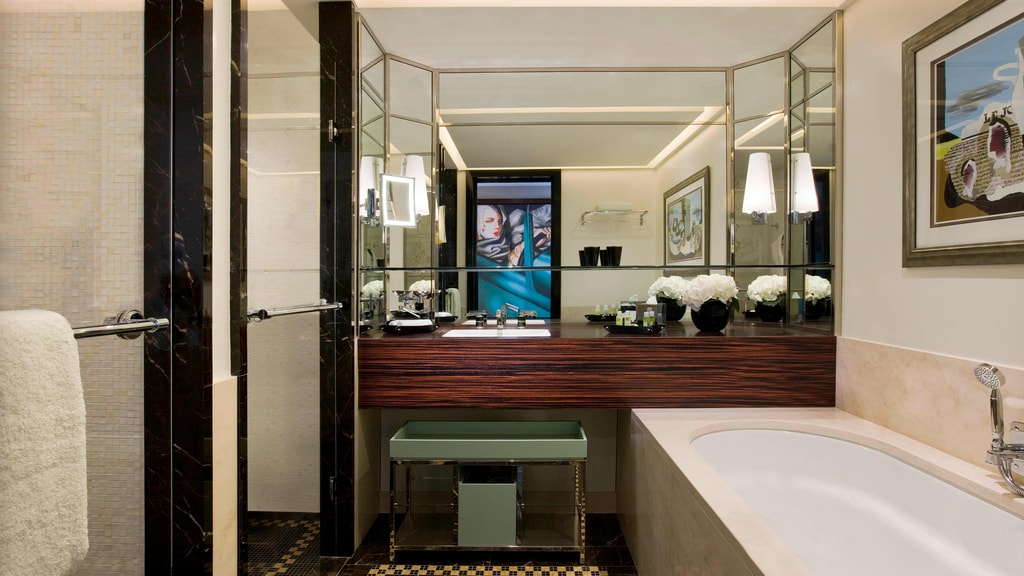 Art Deco Room - Bathroom