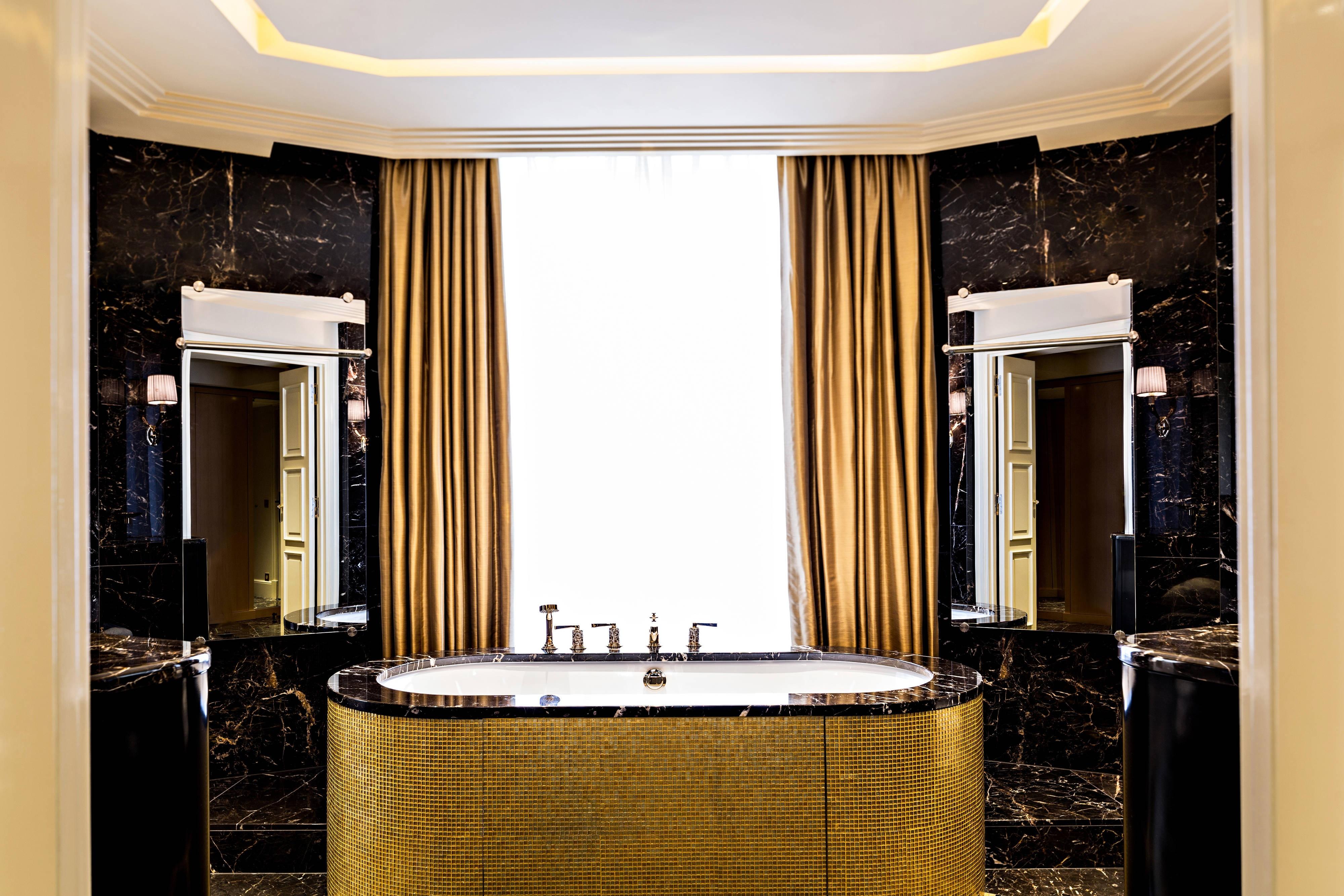 Suite d'Or du Prince de Galles, salle de bain