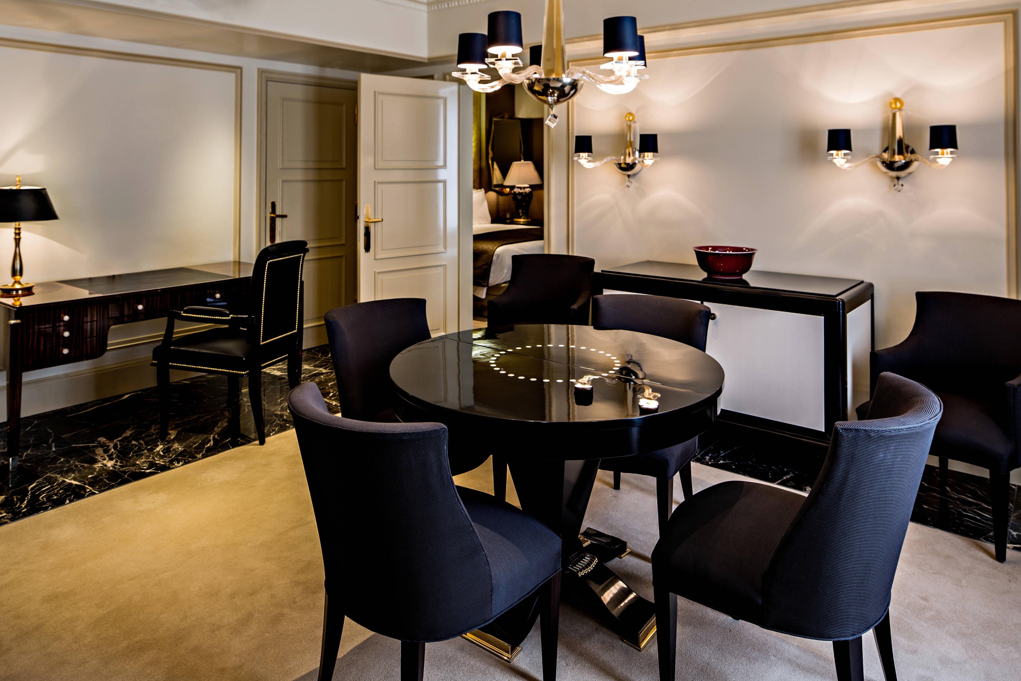 Prince de Galles Suite d Or - Living Room